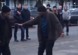 У центрі міста безхатченки влаштували танцювальний батл