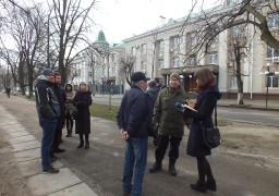 Біля обласної прокуратури мітингували прихильники Пустовара