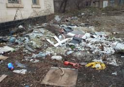 Хто завалює наше місто сміттям?