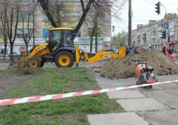 Комунальники працюють над «хворим місцем» центру Черкас