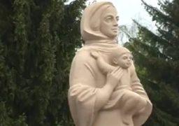 У Чапаєвці замість Леніна – пам᾽ятник Матері