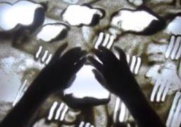 Арт-терапія: у Черкасах вчать малювати піском