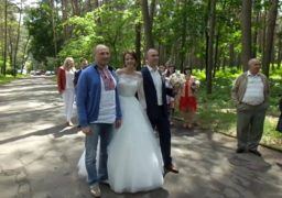 Анатолій Бондаренко привітав молодят