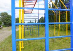 Мер Бондаренко перевірив хід установки нового майданчику для CrossFit