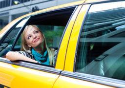 Які стосунки між пасажирами та таксистами?
