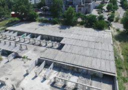 """Мешканці """"Митниці"""" просять владу вирішити питання з будівництвом паркінгу"""