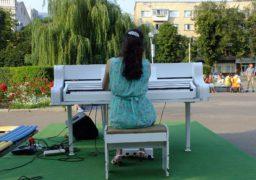 Звуки роялю у середмісті Черкас