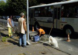 У середмісті Черкас міняють зливову решітку