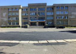 Біля школи №34 облаштовують прилеглу територію