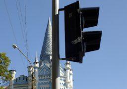 У Черкасах встановлюють нові світлофори