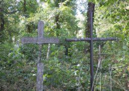 У мікрорайоні «Казбет» старий цвинтар наводить жах