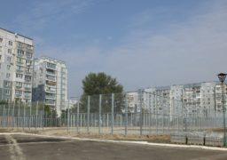 Біля черкаських шкіл будують новітні спортивні майданчики