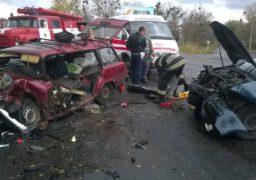Корсунь-Шевченківський район: рятувальники деблокували водія автомобіля, який потрапив у ДТП