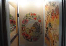В одному з черкаських будинків ліфти оформили у незвичному стилі