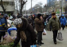 Напередодні новорічних свят у Черкасах активізувалася стихійна торгівля