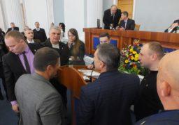 В Черкаській обласній раді побились через російську мову