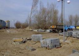 На оновленій вулиці Героїв Дніпра відновились роботи