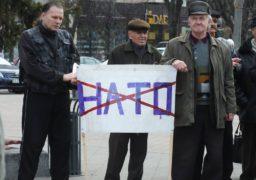"""""""Без боротьби немає перемоги"""": як черкаські комуністи мітингували у середмісті"""