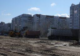 На вулиці Героїв Дніпра розпочалось прибирання будівельного сміття