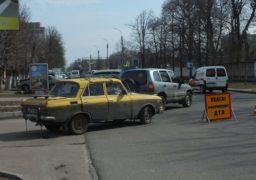 По вулиці Надпільній сталася ДТП