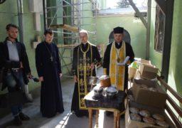 Черкаське духовенство передало великодні дарунки у зону АТО