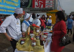 У центрі Черкас красувалися кухарі, офіціанти та бармени