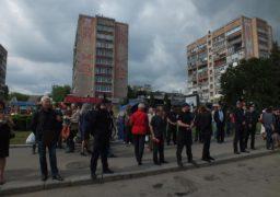 Представники правих сил міста намагалися гучною музикою зірвати урочистий мітинг на Соборній площі