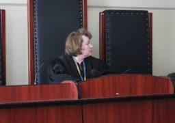 Судове засідання по справі скандальної вчительки Макаренко перенесли через її неявку