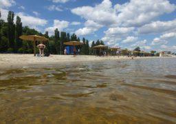 На пляжі «Пушкінський» тривають роботи з благоустрою