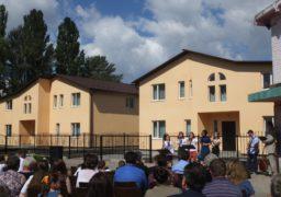 У Черкасах святкують новосілля у двох будинках сімейного типу
