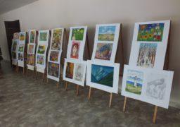 У Черкасах юні художники представили свої роботи