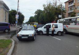 У центрі Черкас сталось ДТП за участю правоохоронців