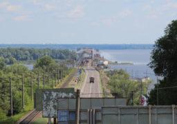 На Черкаському мості як завжди: робота стоїть на місці