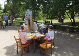 У Черкасах дітлахів запрошують читати під відкритим небом