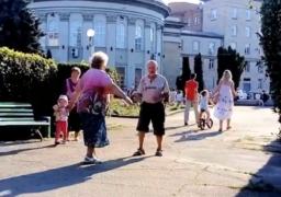 Черкаські пенсіонери запалили танцем у середмісті