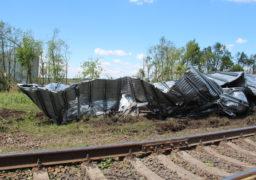 """Буревій переніс 120-тонний металевий елеватор """"Нібулону"""" на 200 метрів і перекрив ним залізничну колію"""