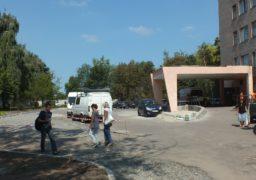 В Третій міській лікарні реконструюють парковку