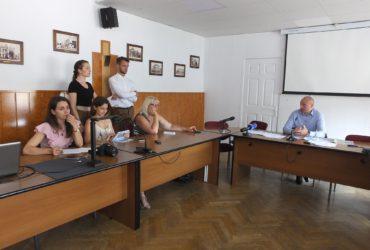 Група депутатів міськради намагалася зірвати прес-конференцію міського голови Черкас