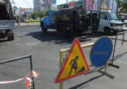 По бульвару Шевченка продовжується укладання останнього шару ЩМА