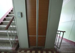 До кінця року в Черкасах капітально відремонтують 263 ліфти
