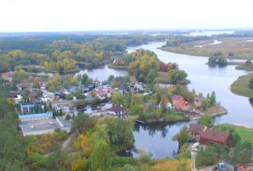 Чиновник, що ймовірно є власником забудови берегової смуги в Дахнівці погрожував журналістам та депутату міської ради фізичною розправою.