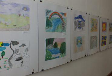 У Черкасах діти атовців зобразили тата з крилами і мир в Україні