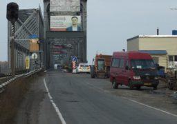 «Вечірнє вікно» на мосту через Дніпро знову змістилося. Водії обурені