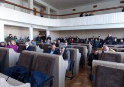 Депутати Черкаської міськради прийняли низку спірних рішень на напівлегітимній сесії