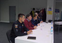 Черкаські високопосадовці сіли за парти, аби написати диктант
