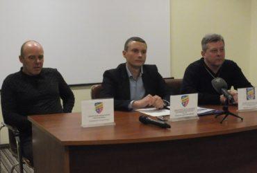 Просили гроші – отримали рибу: «Черкаський Дніпро» переживає кризу