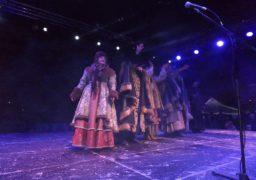 Головну ялинку Черкас відкрили міський голова і Святий Миколай