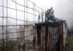 Різдвяного ранку у Черкасах рятувальники ліквідували пожежу дачного будинку