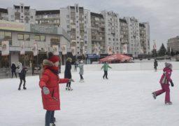 Усі на лід: черкаських школярів запрошують безкоштовно покататися на ковзанці