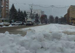 У Черкасах колапс: води немає, дороги нечищені